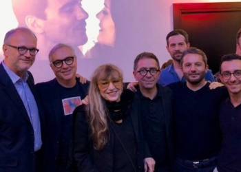 Piera Degli Esposti con Pino Strabioli e i soci di ASD Gruppo Pesce Roma alla 2° edizione del Premio Abbraccio - Agedo (13 maggio 2018)